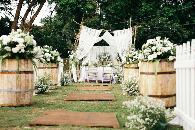 An Intimate wedding of Kinan & Anis by Maeera Decoration - 023
