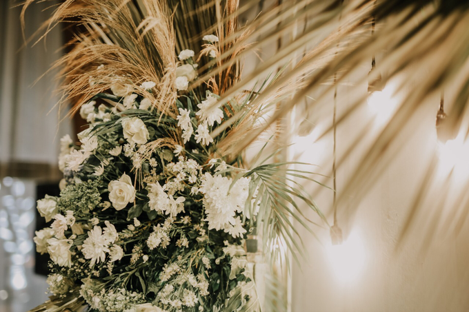 Puteri & Zaki Wedding Akad And Reception by AVIARY Bintaro - 009