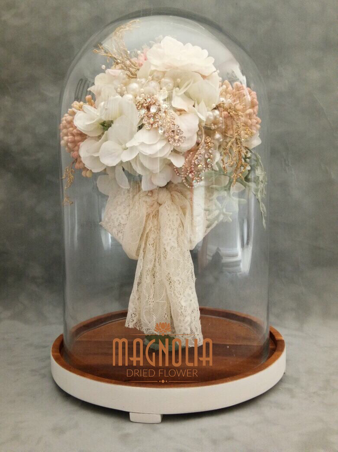 Glass Dome Dried Flower by Magnolia Dried Flower - 004