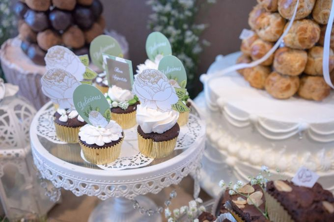 Wedding of Mahendra & Yulia - Jardin Sweet Corner by Questo La Casa Pastry - 008