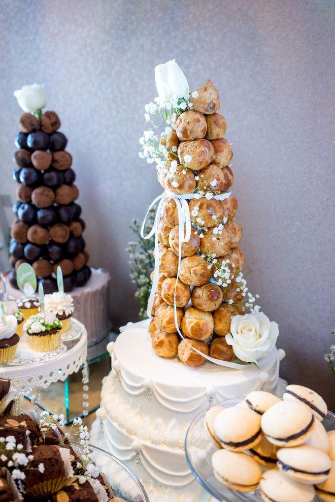 Wedding of Mahendra & Yulia - Jardin Sweet Corner by Questo La Casa Pastry - 012
