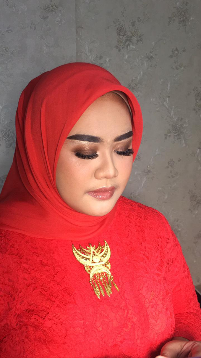 Makeup Tunangan by Make up by indy - 005