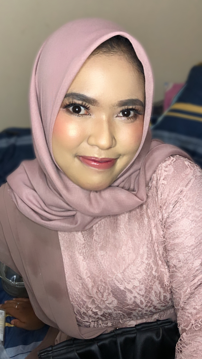 Bridesmaid Makeup by Make up by indy - 003