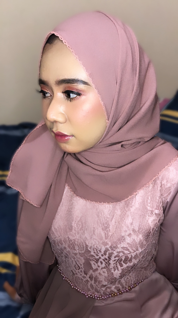 Bridesmaid Makeup by Make up by indy - 002