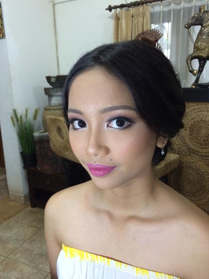 Flawless fresh look for Beautiful Dyah by ekaraditya4makeup - 003