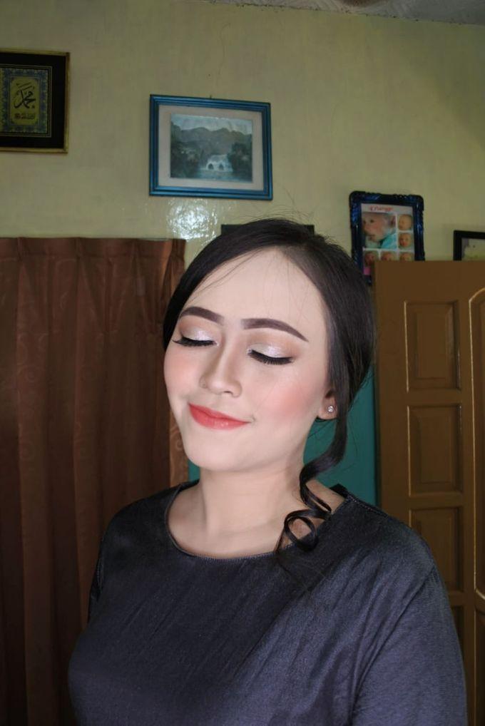 Makeup Engagement client suci by Cindy_prof_makeup - 001