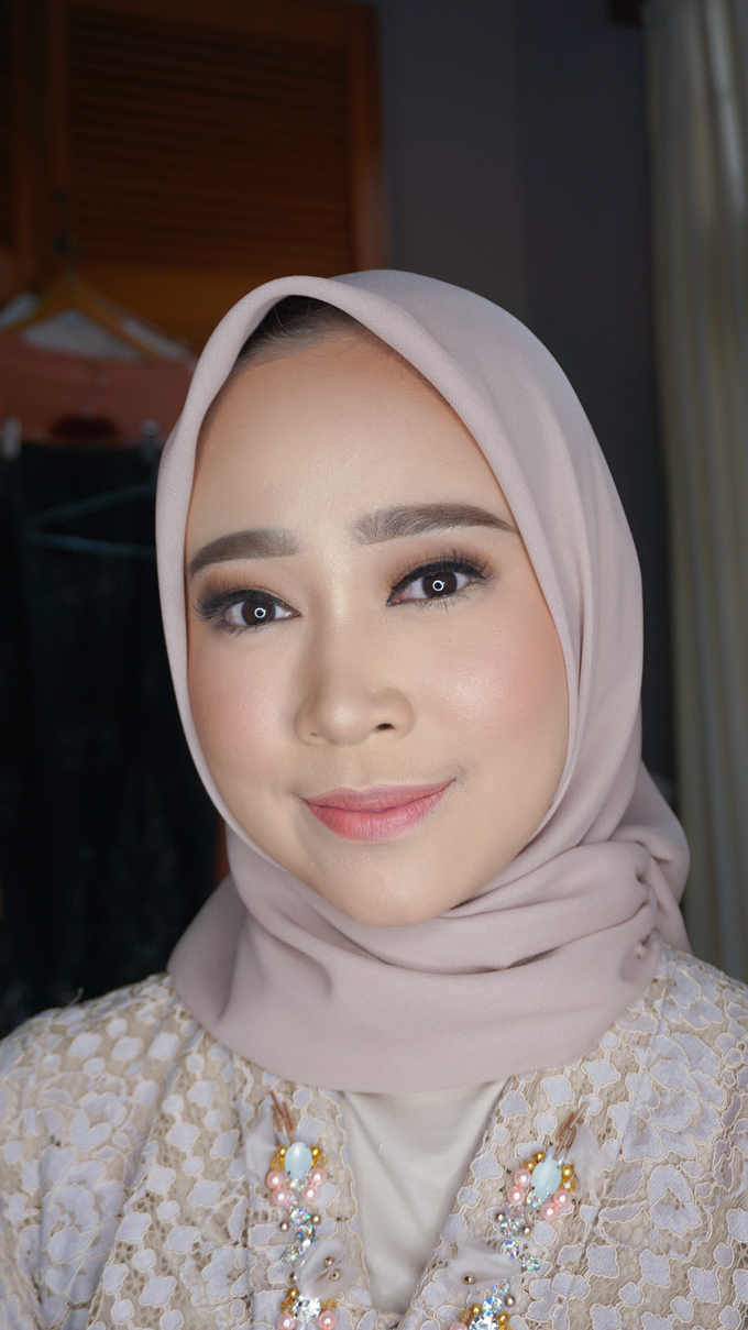 Engagement Makeup for Ms. Prieta by Makeupbyamhee - 002