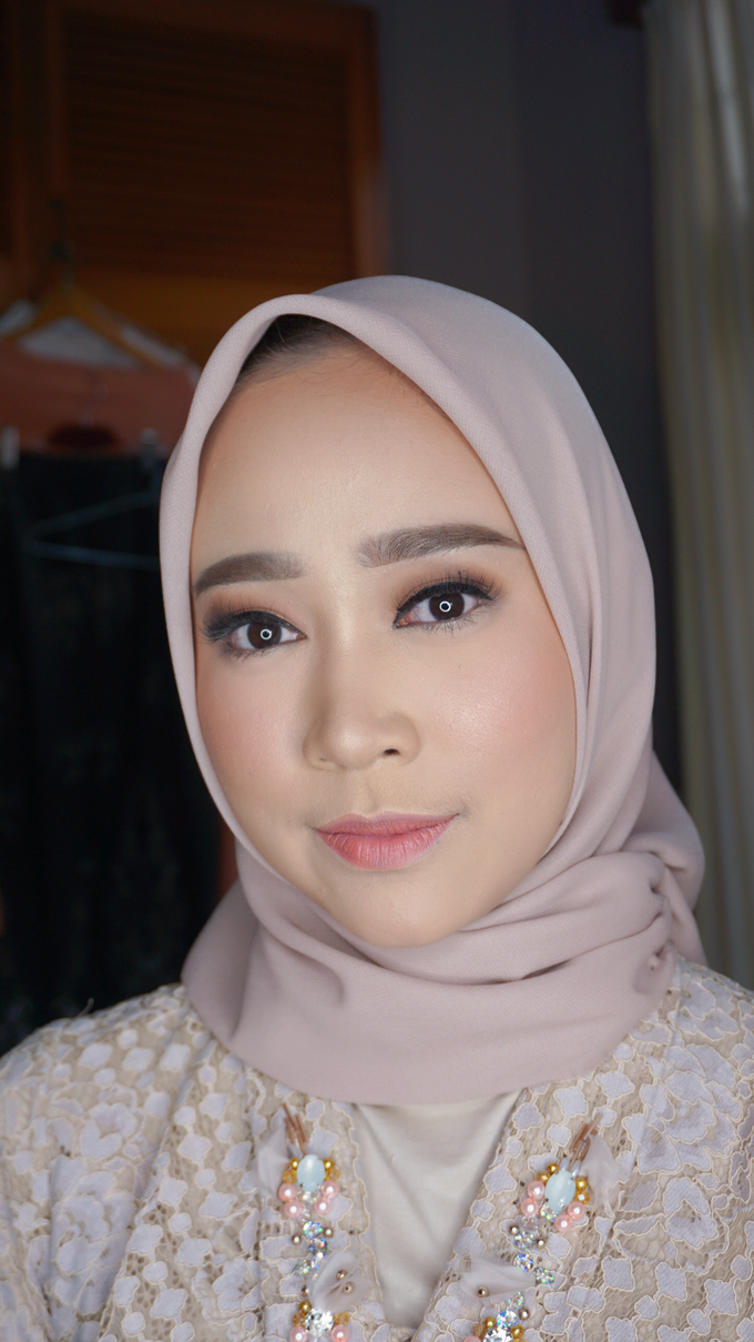 Engagement Makeup for Ms. Prieta by Makeupbyamhee - 004