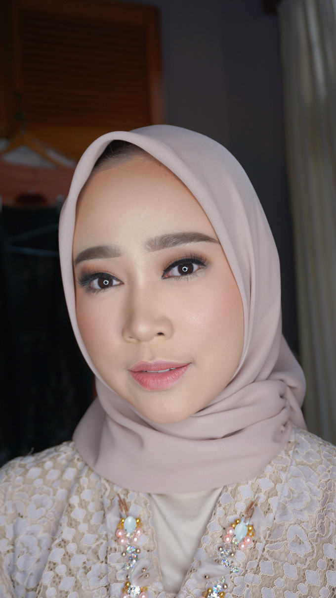 Engagement Makeup for Ms. Prieta by Makeupbyamhee - 005