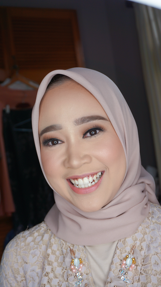 Engagement Makeup for Ms. Prieta by Makeupbyamhee - 010