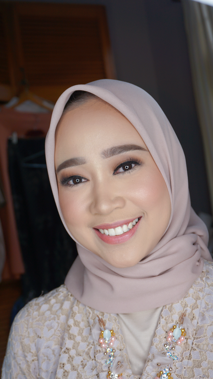Engagement Makeup for Ms. Prieta by Makeupbyamhee - 011