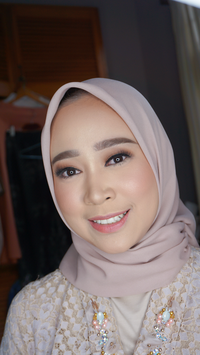 Engagement Makeup for Ms. Prieta by Makeupbyamhee - 012