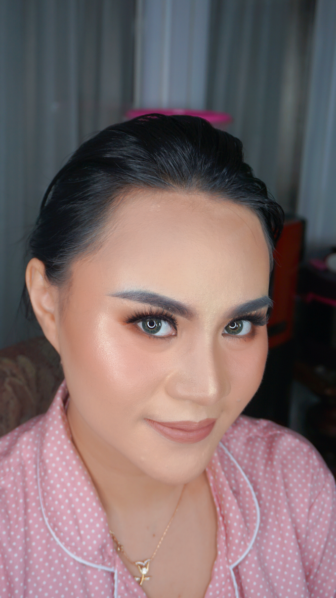 Glowing makeup for Mrs. Amalia by Makeupbyamhee - 006