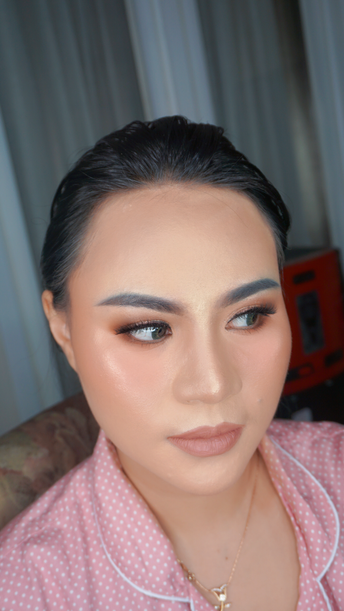 Glowing makeup for Mrs. Amalia by Makeupbyamhee - 008