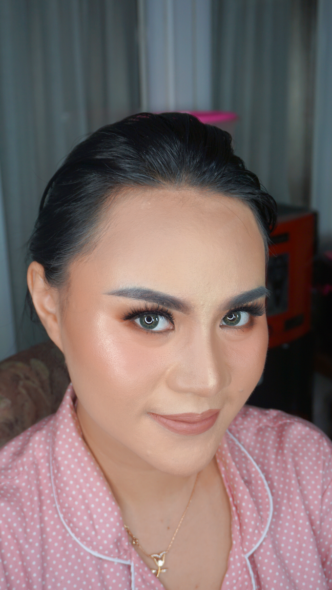 Glowing makeup for Mrs. Amalia by Makeupbyamhee - 010