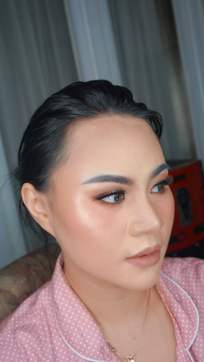 Glowing makeup for Mrs. Amalia by Makeupbyamhee - 003