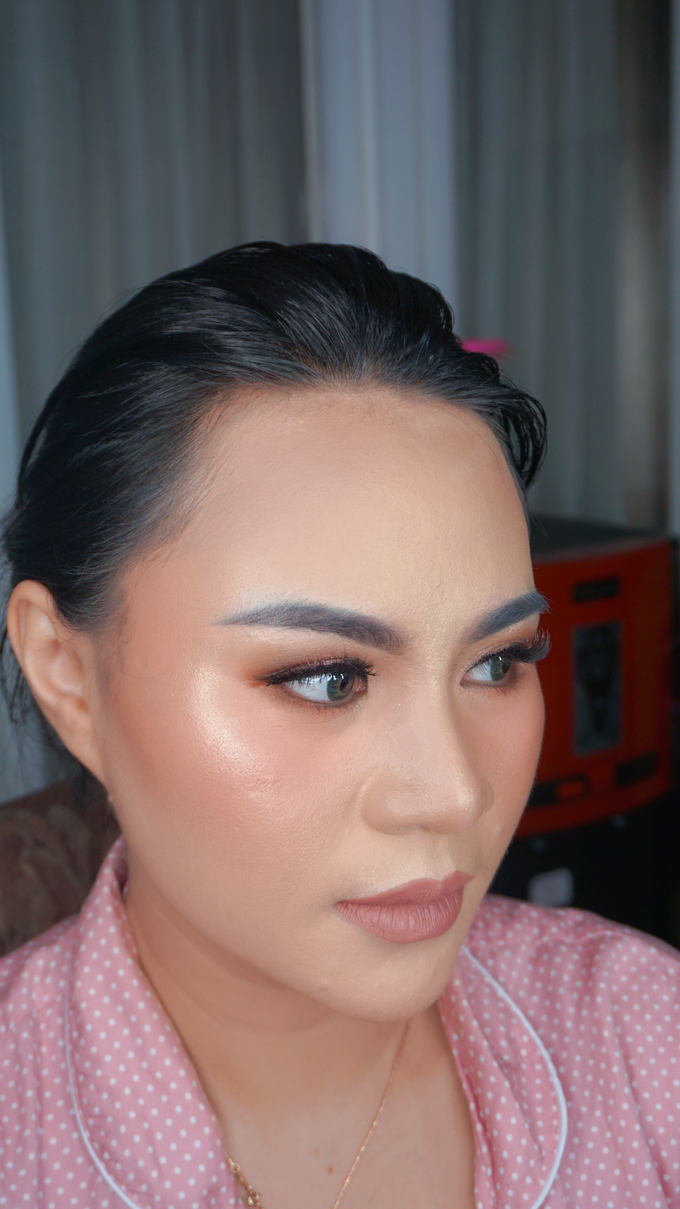 Glowing makeup for Mrs. Amalia by Makeupbyamhee - 001
