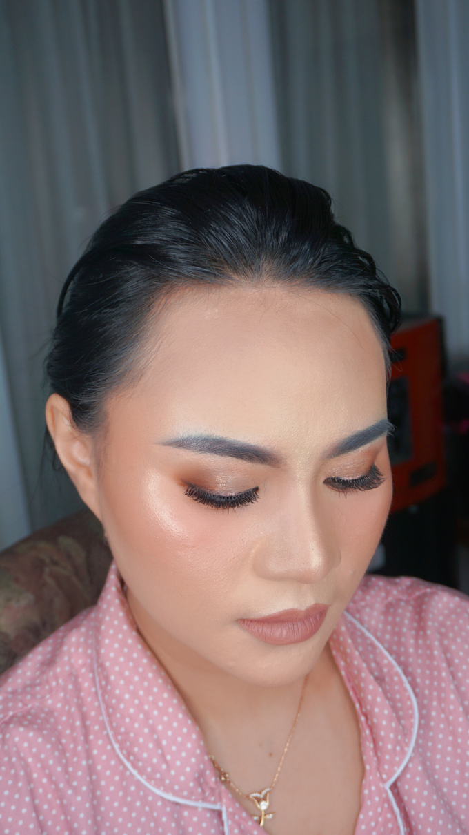 Glowing makeup for Mrs. Amalia by Makeupbyamhee - 004