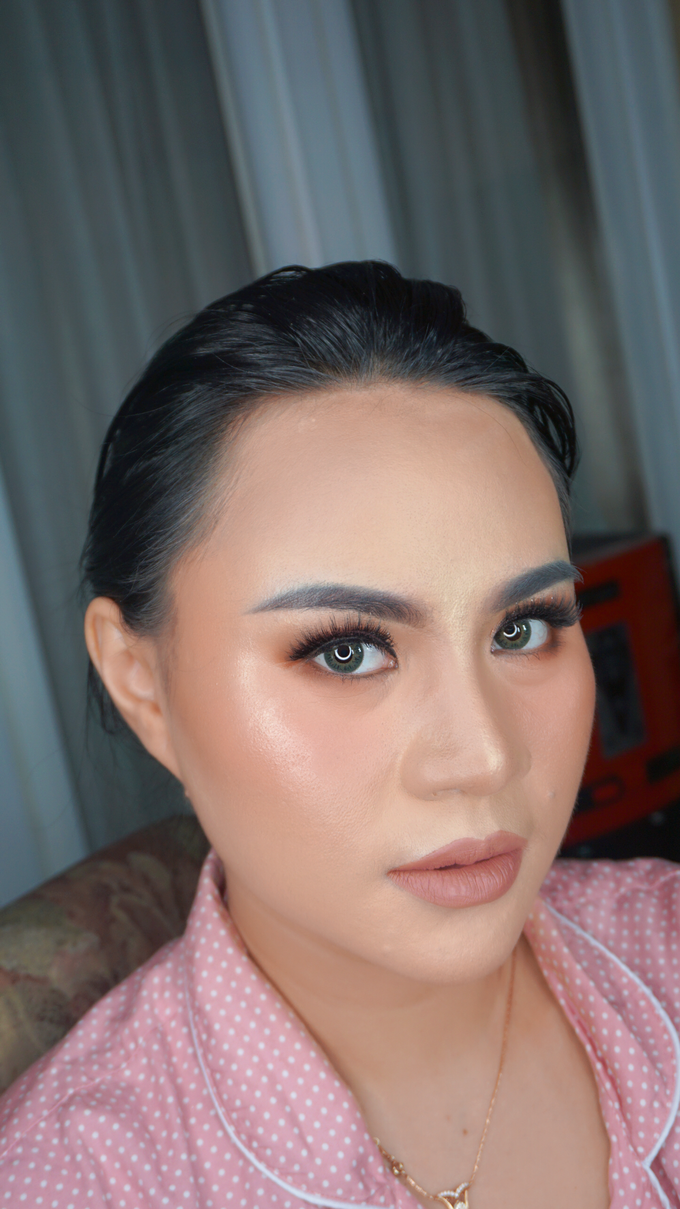 Glowing makeup for Mrs. Amalia by Makeupbyamhee - 005