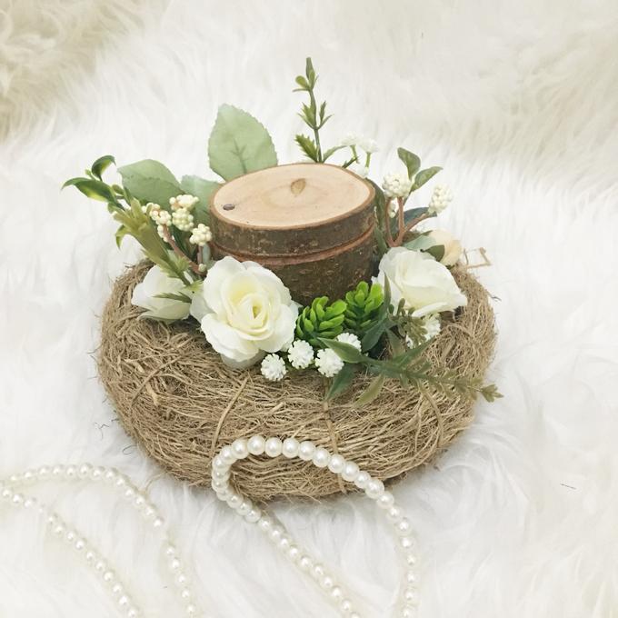 Rustic Ring Bearer / White Garden Theme by Maknaseserahan - 004