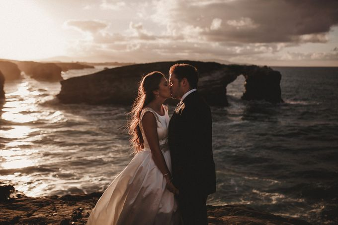 Cathedrals Beach by Manuel Balles. Wedding Photographer. - 016