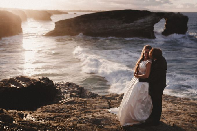Cathedrals Beach by Manuel Balles. Wedding Photographer. - 017