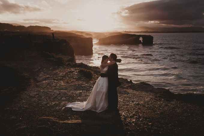 Cathedrals Beach by Manuel Balles. Wedding Photographer. - 022