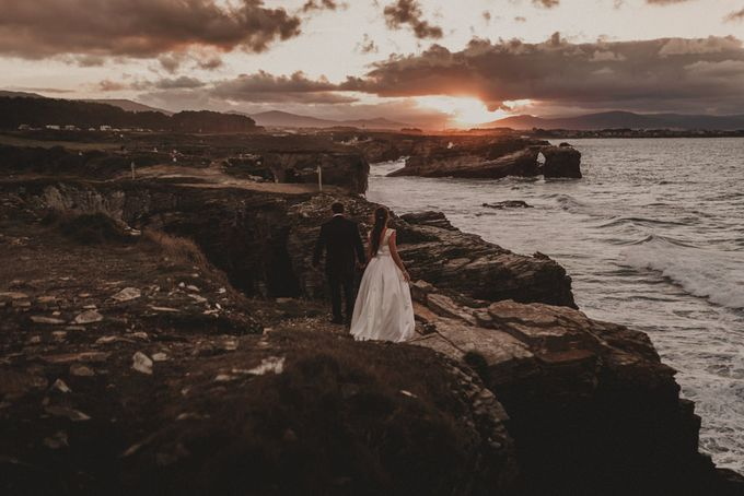 Cathedrals Beach by Manuel Balles. Wedding Photographer. - 027