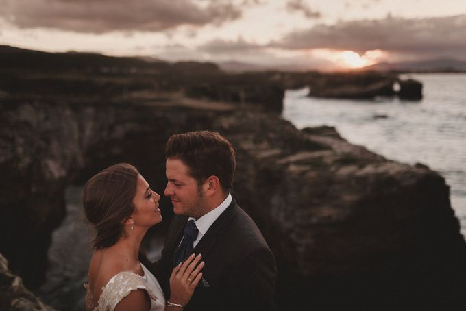 Cathedrals Beach by Manuel Balles. Wedding Photographer. - 028