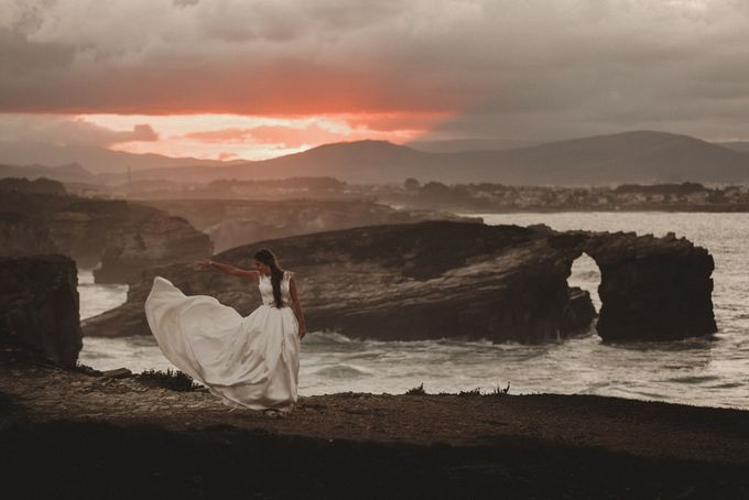 Cathedrals Beach by Manuel Balles. Wedding Photographer. - 031