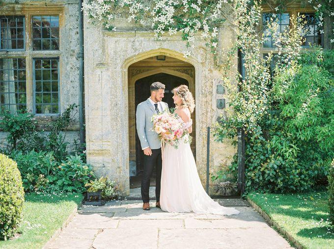 Quintessentially British Dorset Estate Wedding by Liz Baker Photography - 001