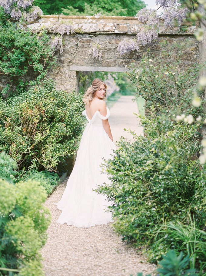Quintessentially British Dorset Estate Wedding by Liz Baker Photography - 022