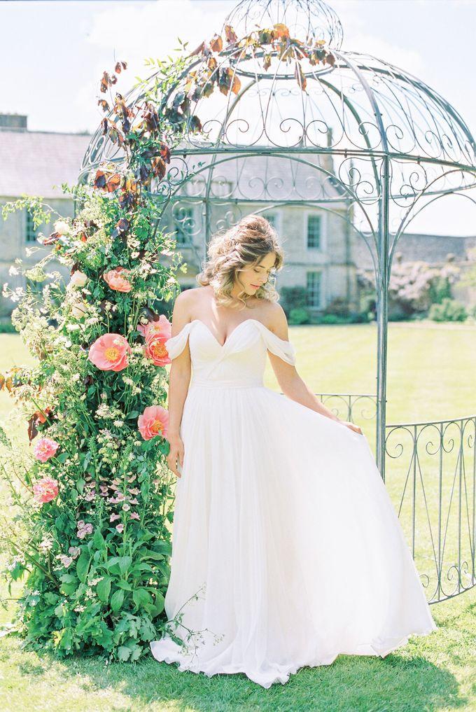 Quintessentially British Dorset Estate Wedding by Liz Baker Photography - 021