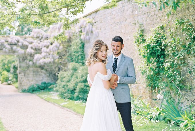 Quintessentially British Dorset Estate Wedding by Liz Baker Photography - 006