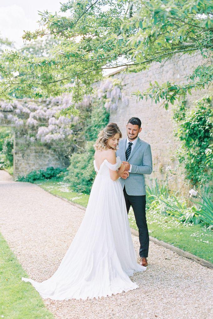 Quintessentially British Dorset Estate Wedding by Liz Baker Photography - 005