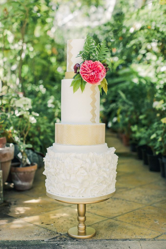 Quintessentially British Dorset Estate Wedding by Liz Baker Photography - 023