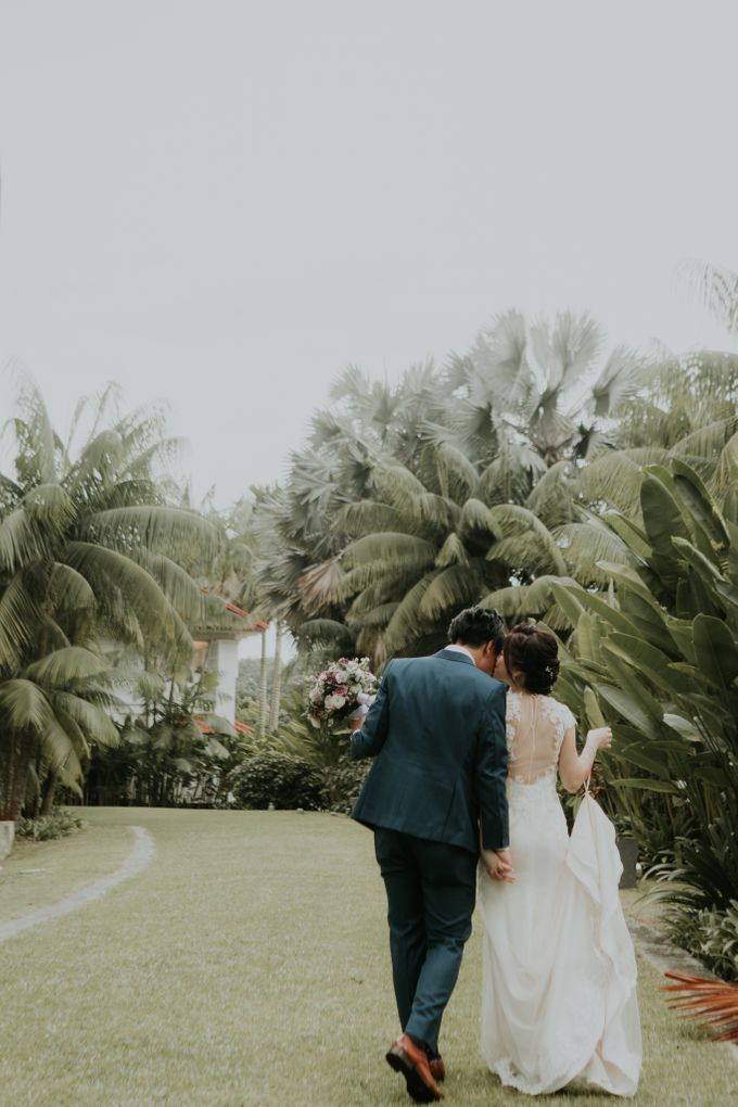 Ying Hui & Marc Wedding by Nicolas Laville Couture - 004
