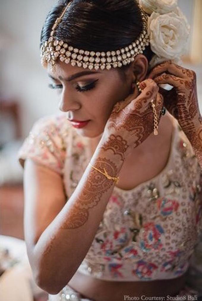 Wedding of Urvashi and Abhijeet Dadarkar by Studio 8 Bali Photography - 005