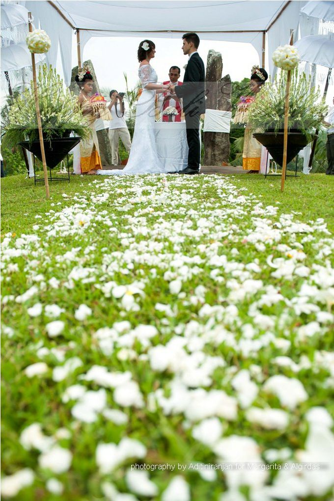 Margarita & Algirdas Wedding by Aditi Niranjan Photography - 001