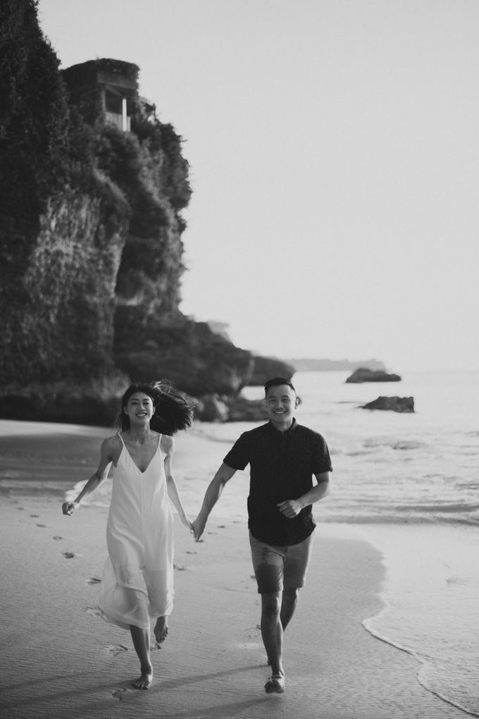 Affectionate Couple Portraits of Marianna & Daniel in Bali by fire, wood & earth - 017