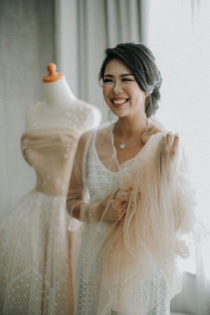 Markus & Ferli Wedding Day - Grand Mercure Kemayoran by Yogie Pratama - 002