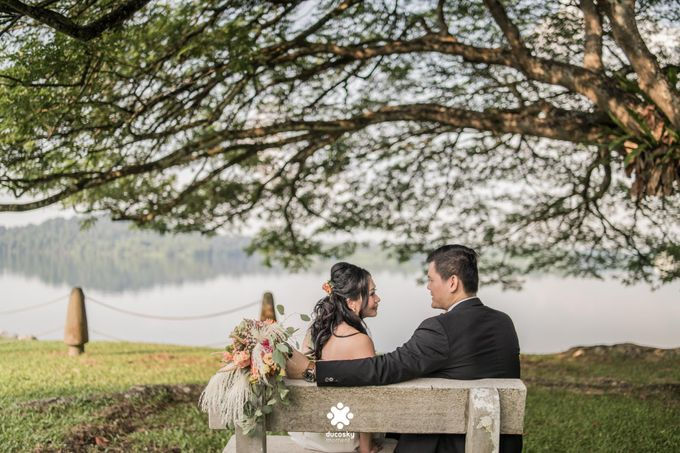 Martin Jnet Pre-Wedding | Strolling in a Park by Ducosky - 002