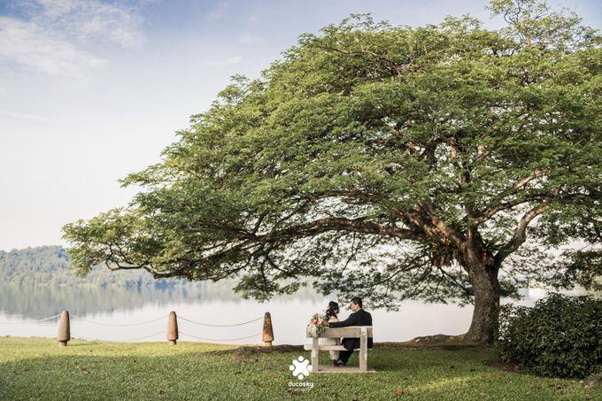 Martin Jnet Pre-Wedding | Strolling in a Park by Ducosky - 001
