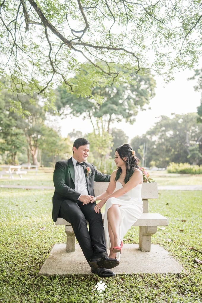Martin Jnet Pre-Wedding | Strolling in a Park by Ducosky - 003