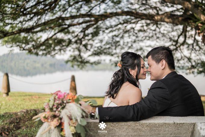 Martin Jnet Pre-Wedding | Strolling in a Park by Ducosky - 005