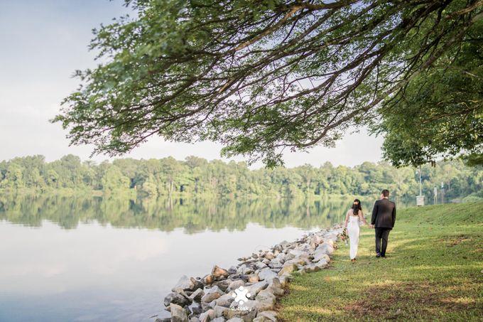Martin Jnet Pre-Wedding | Strolling in a Park by Ducosky - 010