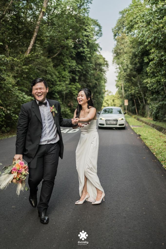 Martin Jnet Pre-Wedding | Strolling in a Park by Ducosky - 036