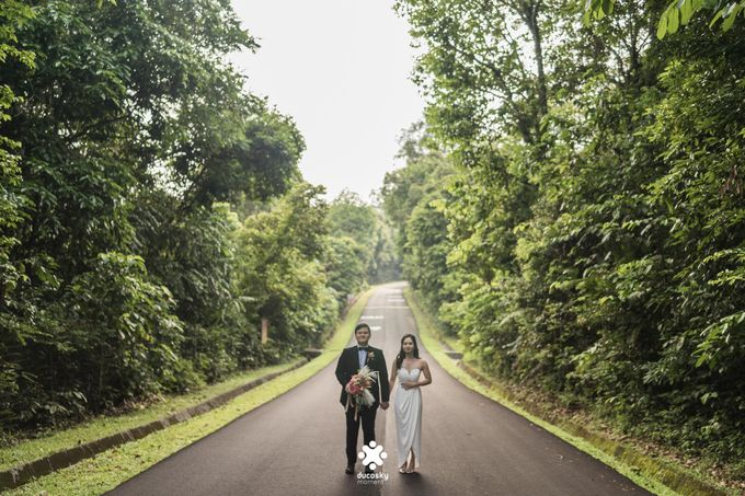 Martin Jnet Pre-Wedding | Strolling in a Park by Ducosky - 037