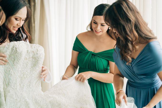 Green Themed Wedding of Gari and  Mara by Peach Frost Studio - 012