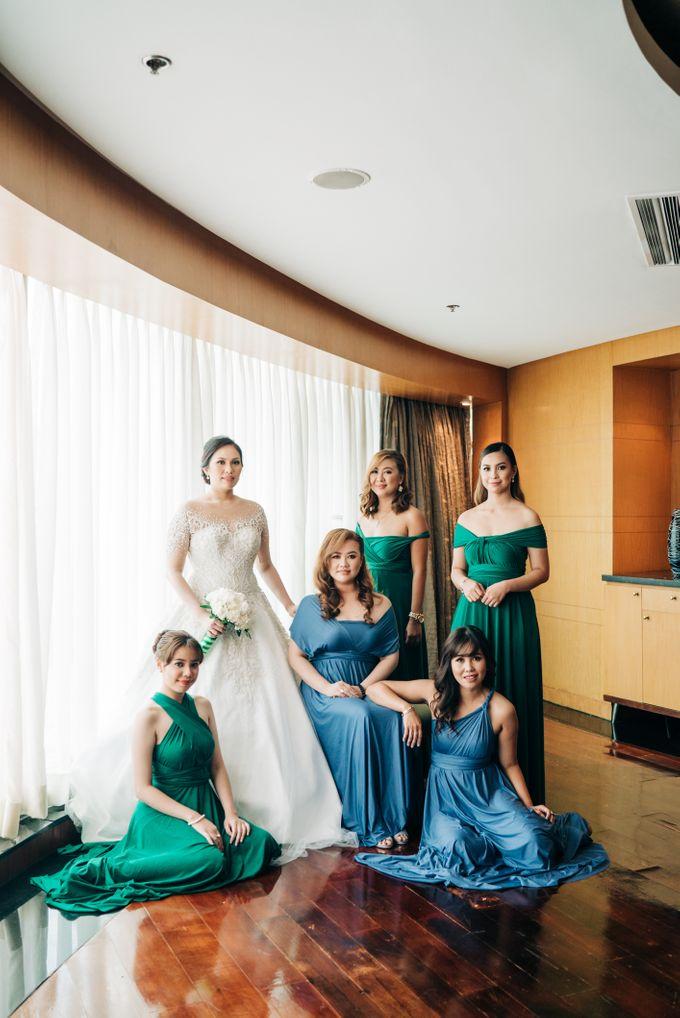 Green Themed Wedding of Gari and  Mara by Peach Frost Studio - 023